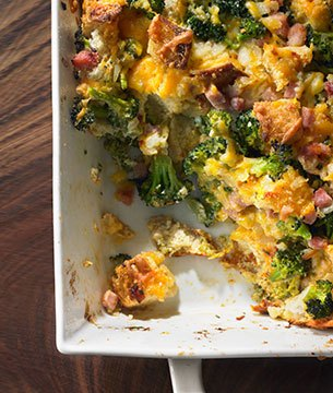 Breakfast Casserole with Broccoli, Ham, and Cheese