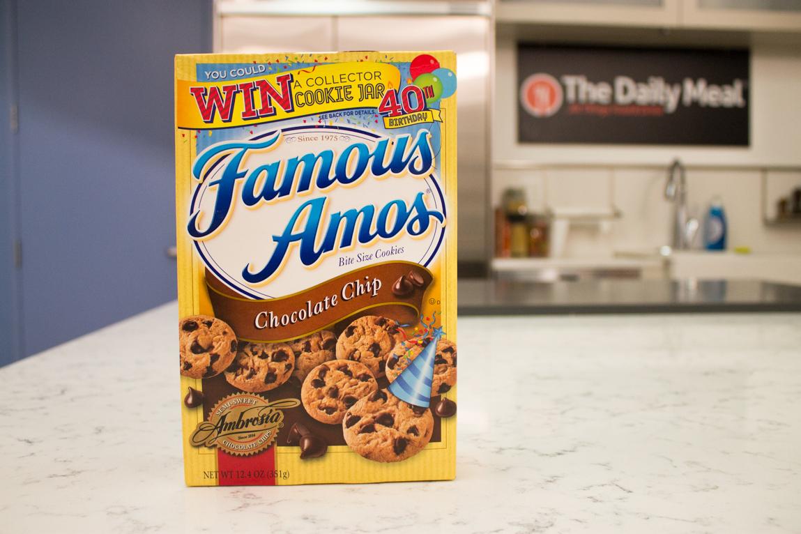 Chocolate chip cookie taste test for Americas best storage