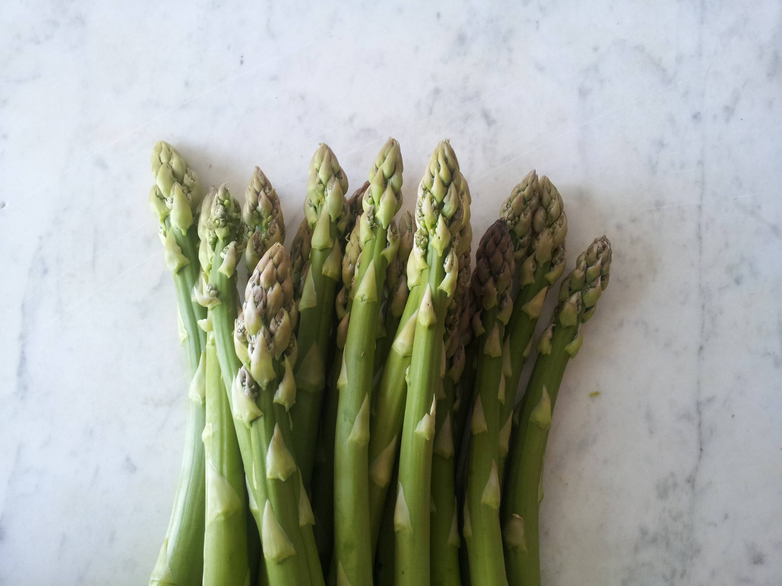 Asparagus from These 21 Foods Are Making You Smell Bad
