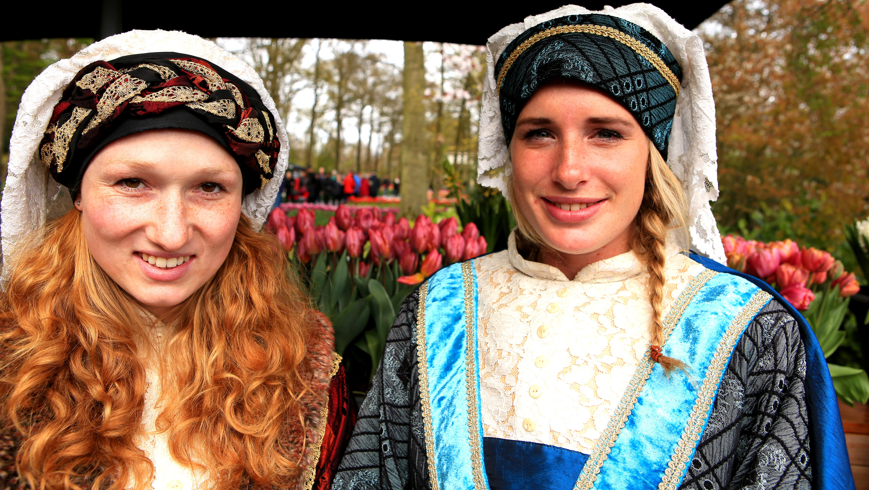 Dutch girls at Keukenhof