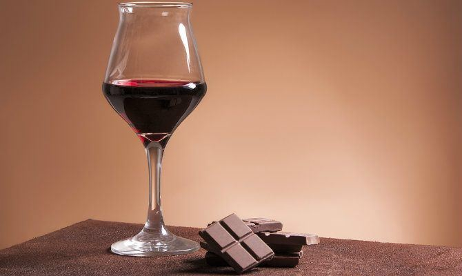 Antioxidant Found in Wine and Chocolate Offers Critical Benefits for Patients with Alzheimer's