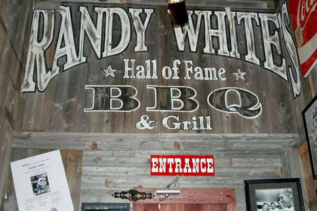 15) Randy White's Hall of Fame Barbeque — Randy White (Frisco, Texas)