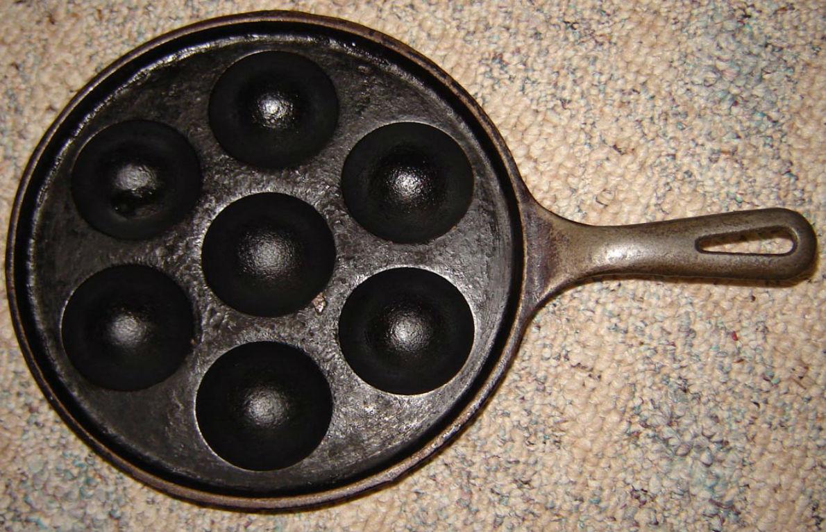Æbleskiver pans have good heat retention.