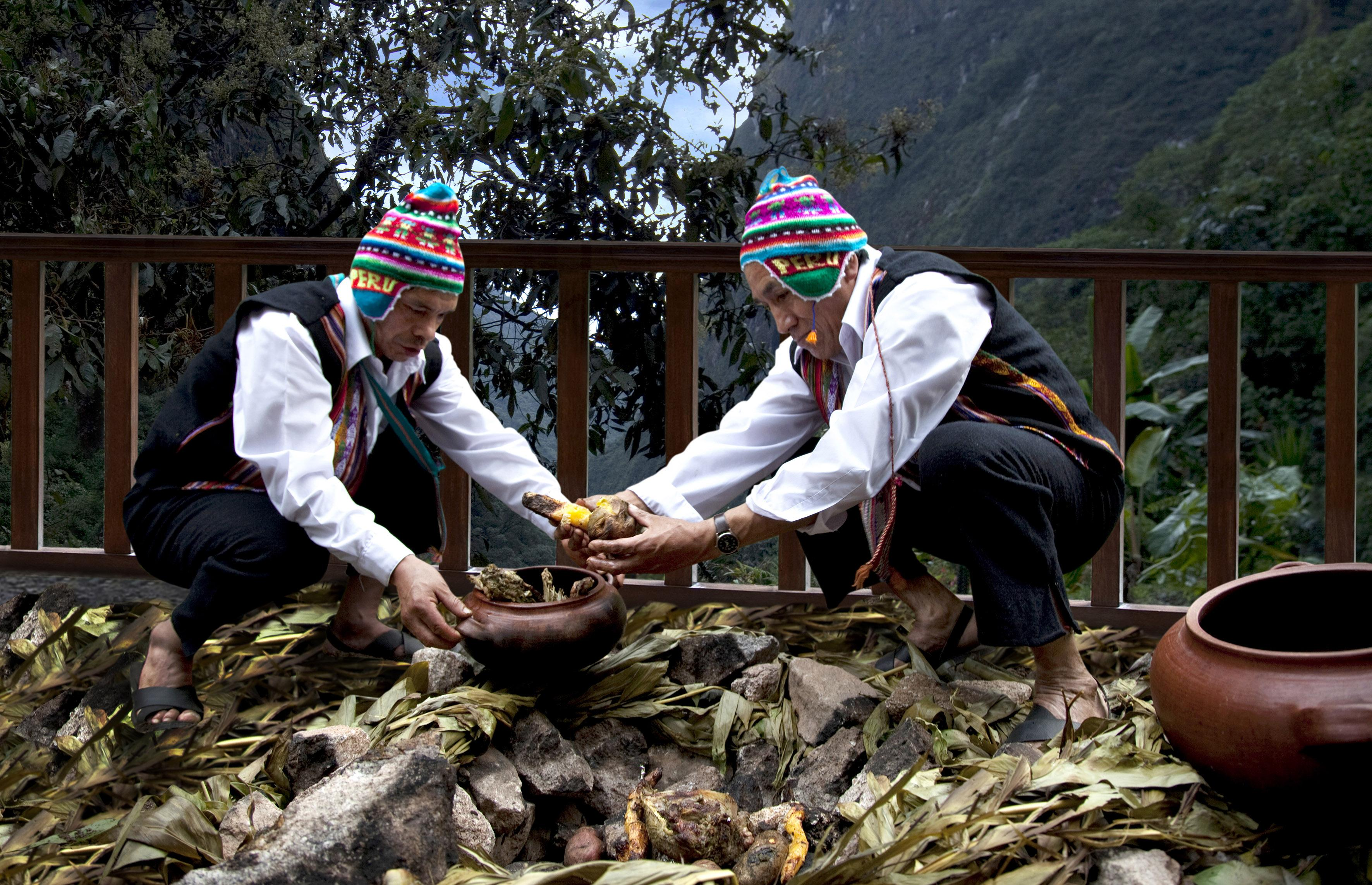 39 Pachamanca or earth pot