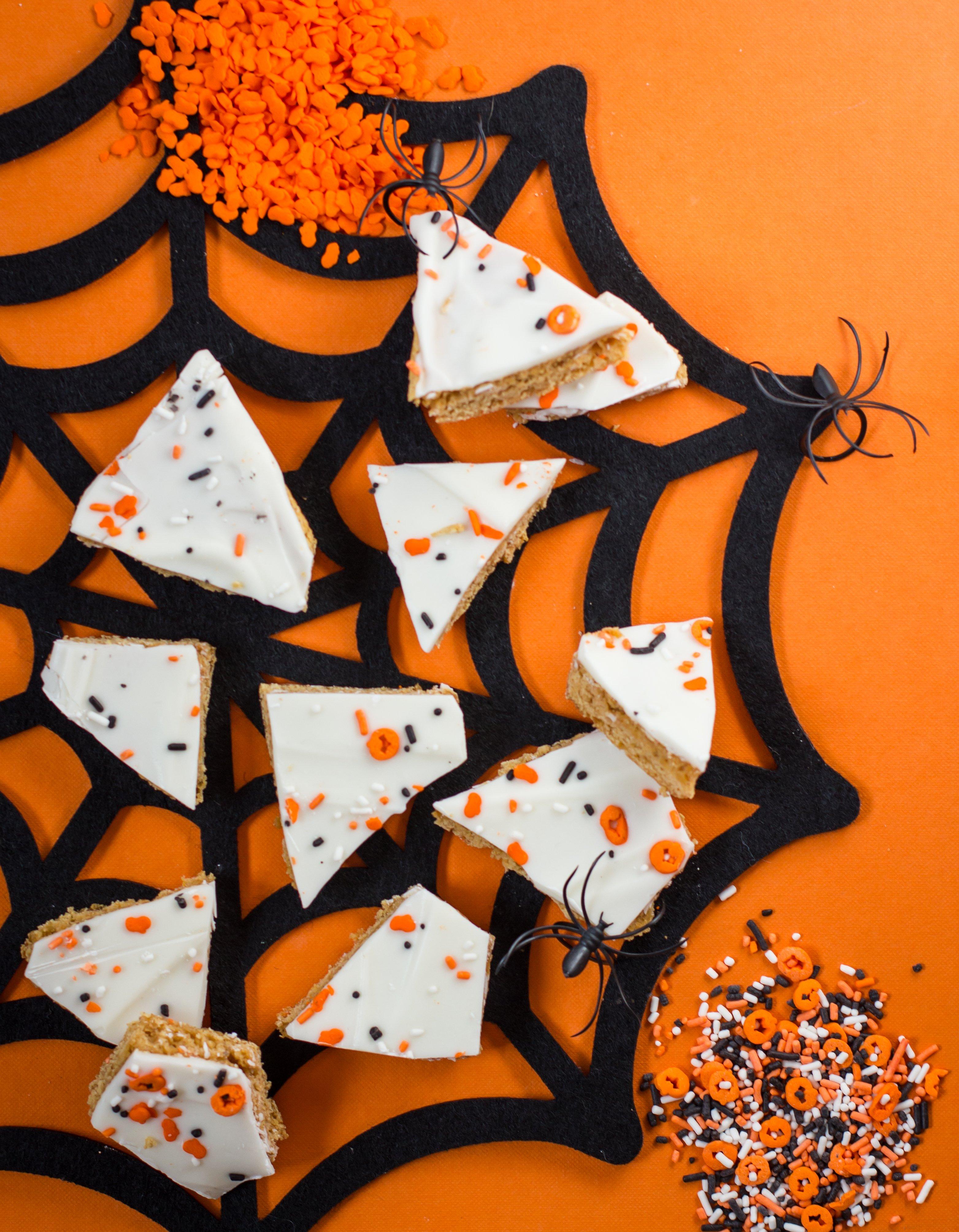 Pumpkin Snickerdoodle Cookie Bark