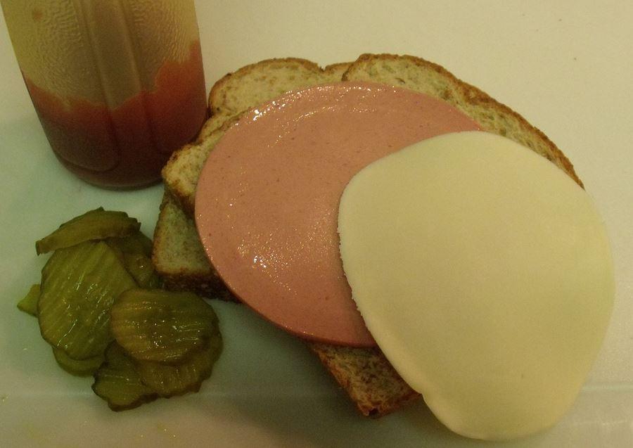 bologna sandwich ketchup
